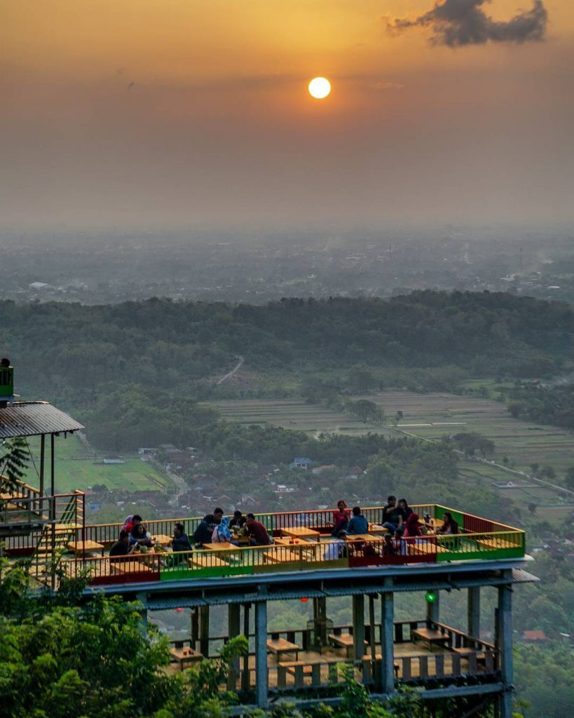Bukit Bintang Jogja - AkuTravel. Sumber: Camera wisata
