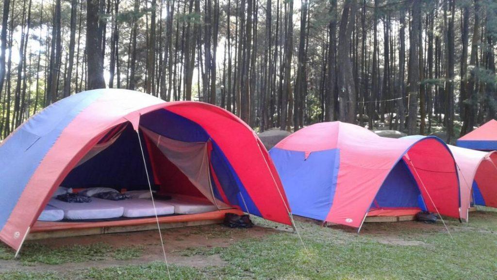 Gunung Pancar: Camping - AkuTravel. Sumber: Travelio
