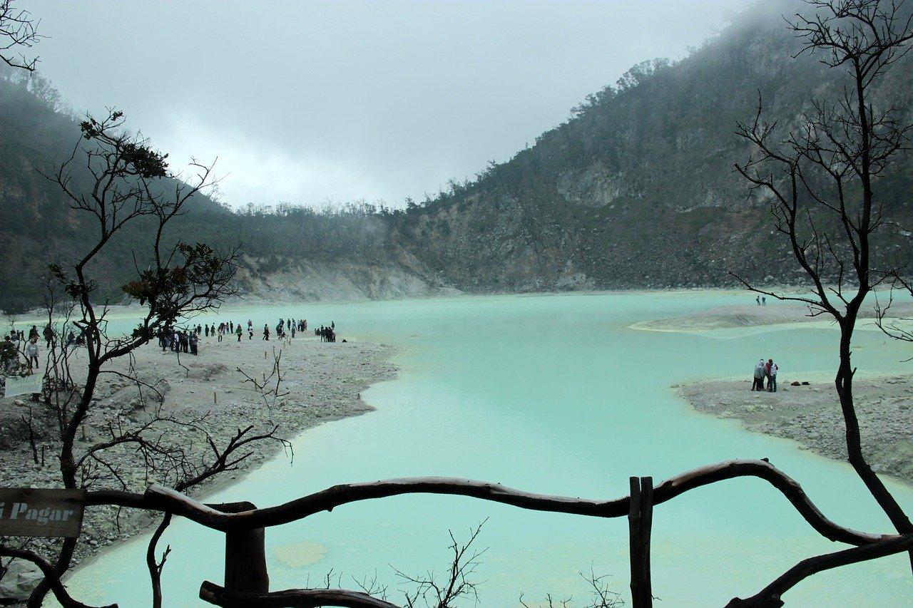 Kawah Putih Ciwidey Bandung- AkuTravel