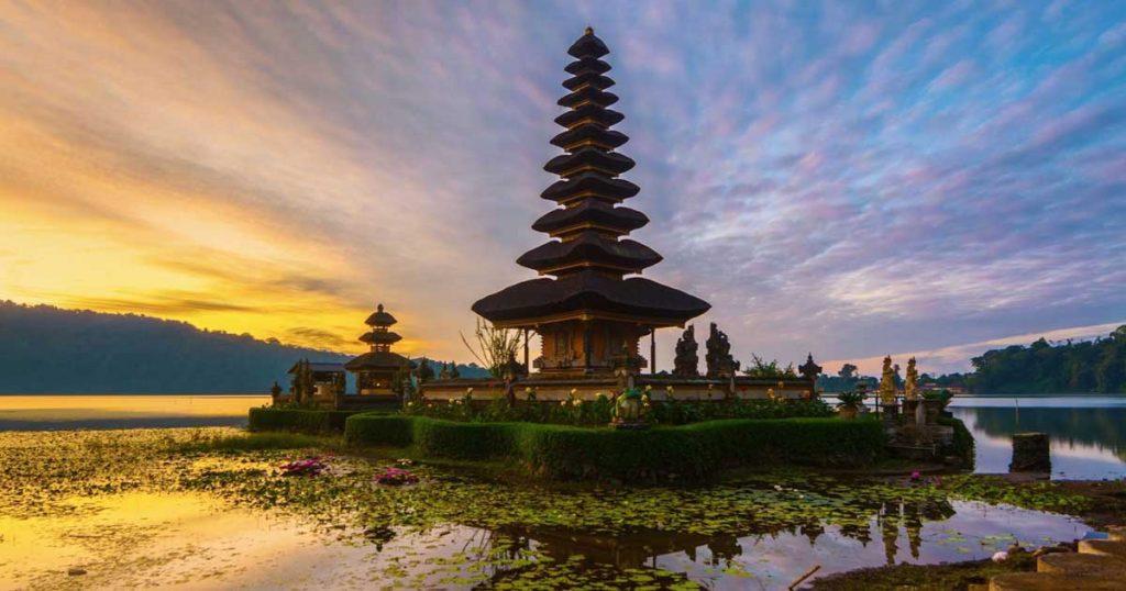 Tempat wisata di Bali: Danau Beratan Bedugul Bali - AkuTravel