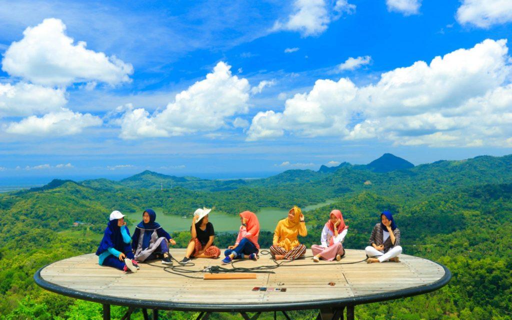 Tempat wisata di Jogja: Kalibiru - AkuTravel. Sumber: Travels promo