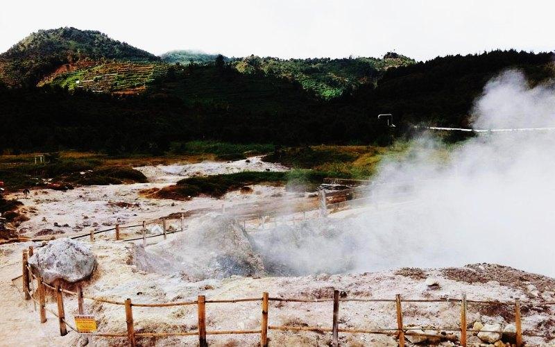 Wisata Dieng: Kawah Sikidang - AkuTravel. Sumber: Wisata bagus