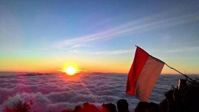 Wisata Garut: Gunung Cikuray - AkuTravel. Sumber: Tribun