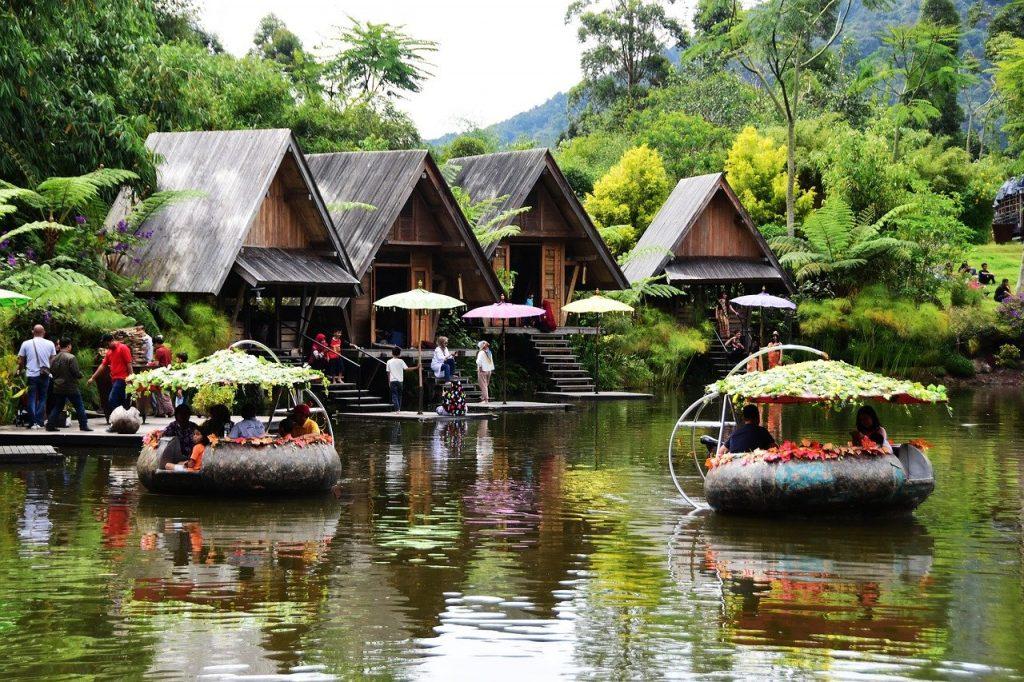 Wisata di Bandung: Dusun Bambu - AkuTravel